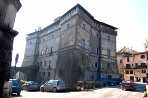 Castello Ruspoli, retro.