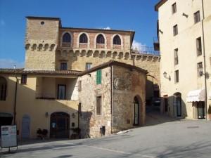 Ingresso fortificato al centro storico