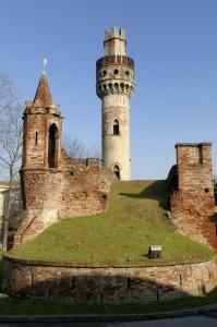 Tra castello e rotonda