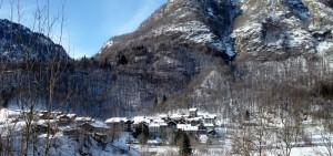 sticht di due foto di Quare nella neve