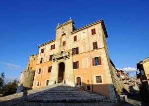 Un paese dentro al Castello