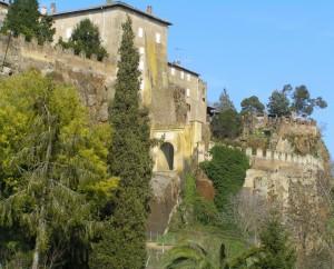 Ingresso al borgo fortificato di Ceri
