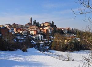 Castell'Alfero col bianco tappeto di neve