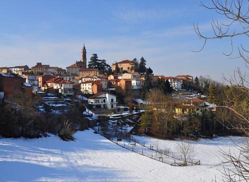 Castell'Alfero - Castell'Alfero col bianco tappeto di neve