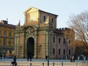 Porta Galliera dalla Montagnola