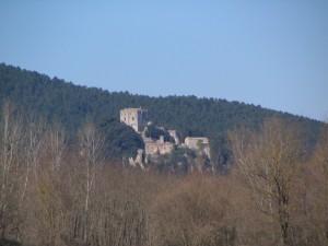 Il Castello di Capraia domina la val di merse