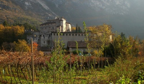 Calliano - Autunno a Castel Pietra