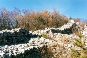 Sagrado di Sgonico - Mura di un Castelliere dell' Età del Ferro