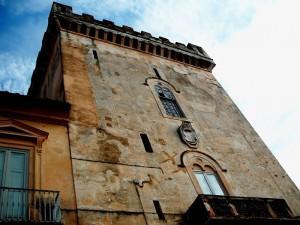 Torre del Castello dei Duchi Caramanico - Bovino
