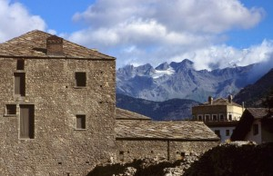 Mura, montagne e nuvole, Aosta (Augusta Praetoria Salassorum)