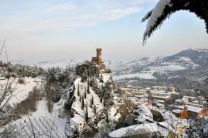 La torre dell'orologio con la neve - Brisighella