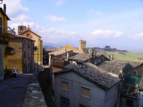 Proceno - Il castello, la chiesa e i tetti di Proceno