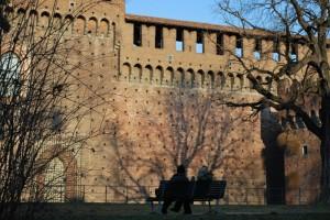 Due chiacchere davanti al castello Sforzesco