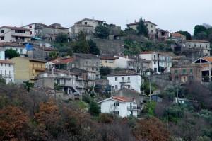 """""""…le case aggiunte alle case""""- Santa Maria Oliveto (frazione di Pozzili)"""