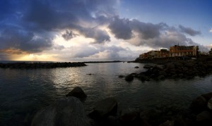 L'alba su Torre Archirafi