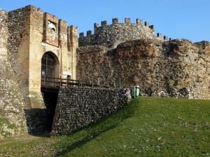 L'entrata del maestoso castello
