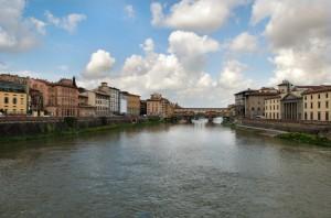 L'Arno visto dal ponte alle Grazie.