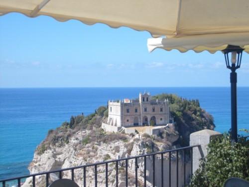 Tropea - Il santuario di Santa Maria dell' Isola