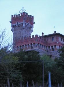 Castello di Lupinari al calar della sera