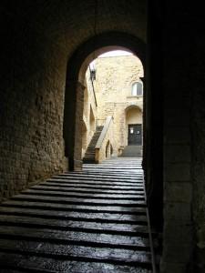 Scalone d'ingreso a Castel dell'Ovo