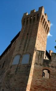 Caldarola - Castello Pallotta - Torre dei Combattenti (2)