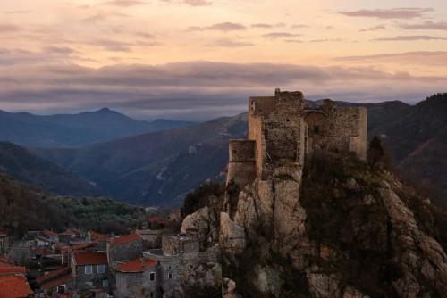 Castelvecchio di Rocca Barbena - Alba sul castello