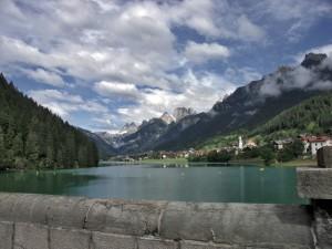 Auronzo dalla diga di S. Caterina: il suo lago e le sue montagne