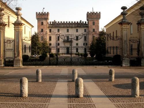 Cislago - Castello Visconti Castelbarco 10