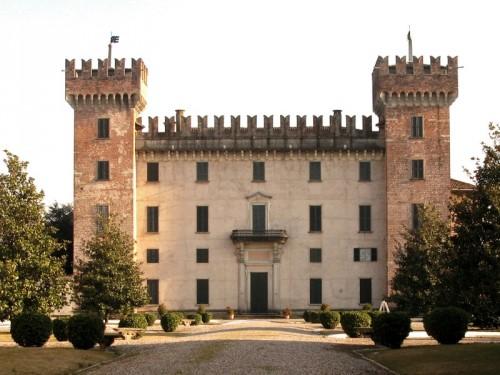 Cislago - Castello Visconti Castelbarco 11