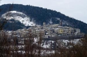 Castell'Azzara in primo piano