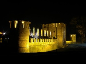 Castello di Legnano by night (1)