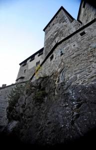 IL CASTELLO le mura interne