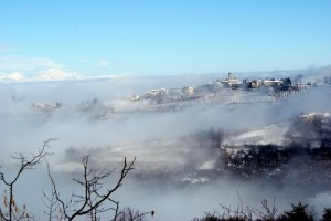 Albaretto dipinto di nebbia