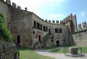 castello di soave - gli alloggi del signore sul cortile