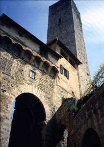arco e torre dei becci 2