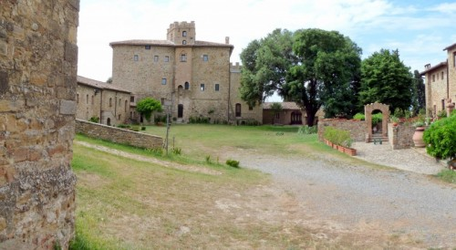 Cinigiano - IL BELLISSIMO CASTELLO DI PORRONA