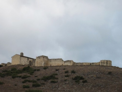 Sant'Eusanio Forconese - Il recinto fortificato
