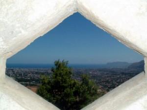 la piccola finestra su monreale