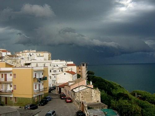 Rodi Garganico - nuvoloni neri