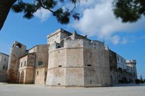 andiamo alla Pinacoteca comunale nel castello di Conversano?