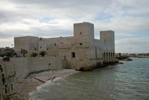anche a Trani Federico II fece costruire un castello