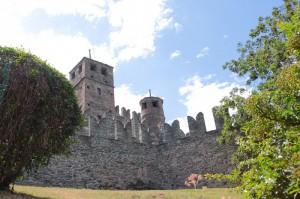 Ai piedi del Castello
