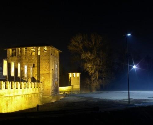 Legnano - Castello di Legnano by night (4)