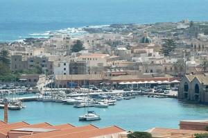 vista sul porto e la città