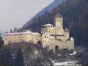 Il falco e il suo castello