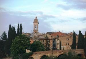 San Quirico d'Orcia - Mattoni e cipressi