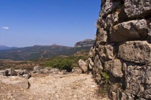 Paesaggio d'Ogliastra con nuraghe