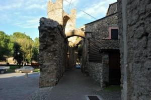Le mura di Villanova di Albenga.