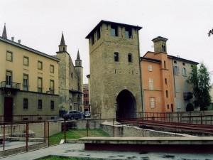 torre civica e porta