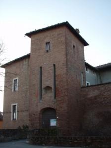 L'ingresso del castello di Lomello